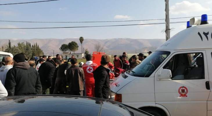 الدفاع المدني: أربعة جرحى جراء حادث سير على طريق ديرزنون- رياق