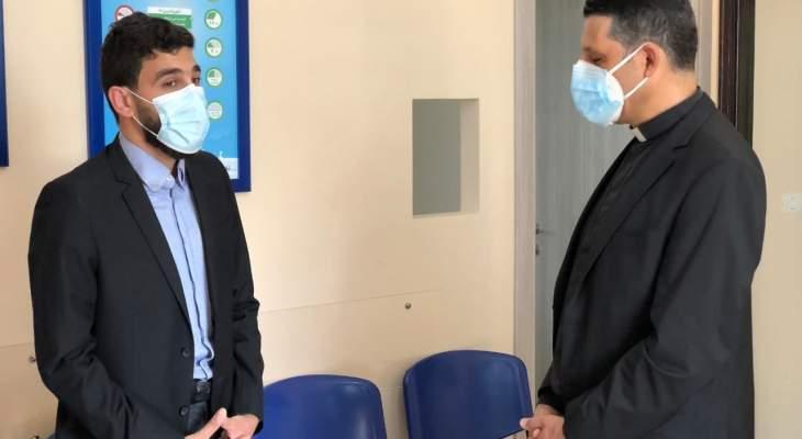 """جمعية """"من حقّي الحياة"""" قدمت جهاز لتوليد الأوكسجين لمستوصف النهضة الخيري الإسلامي في جبيل"""
