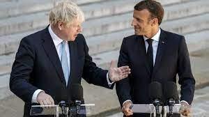 """جونسون إقترح على ماكرون """"إعادة تعاون"""" بين البلدين بعد أزمة الغواصات"""
