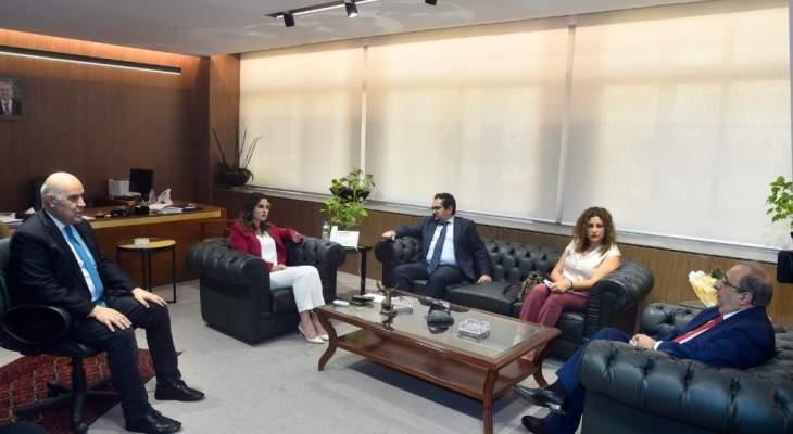 عبد الصمد: لإعداد خطة عمل لتطبيق فوري لقانون حق الوصول للمعلومات وجعل وزارة الإعلام قدوة