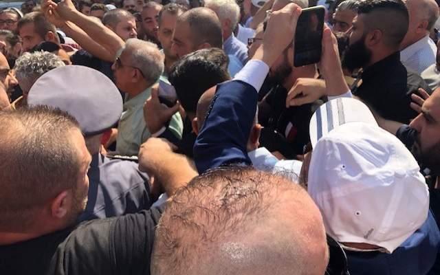 النشرة: إشكال مع أسامة سعد خلال حضوره للمشاركة بافتتاح مركز قوى الامن في صيدا