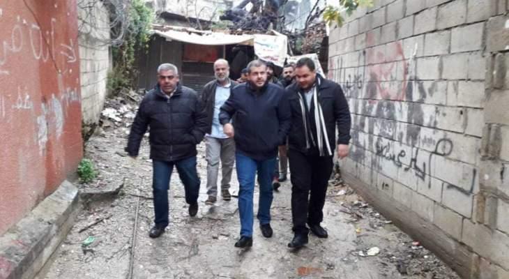 وفد حزب الله يستكمل جولته في تعمير عين الحلوة ويزور البركسات