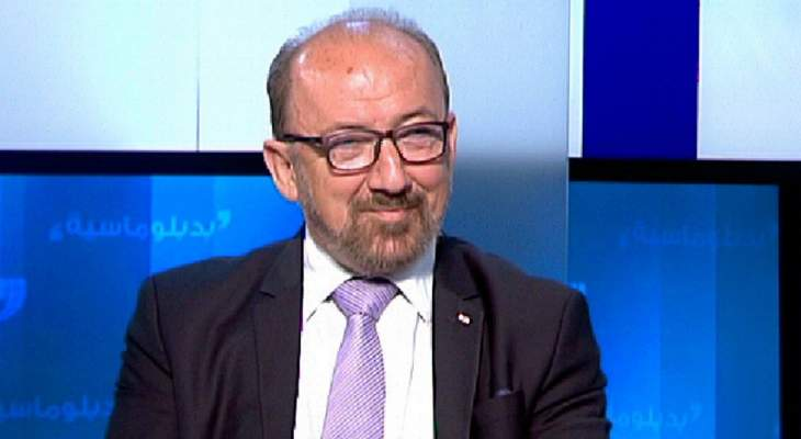 """بسام الهاشم: لم """"نركب موجة"""" الثورة بل لحقنا بالناس ولتشكيل حكومة إنقاذية مصغرة"""