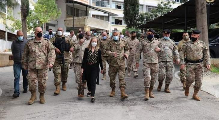 الجيش: سفيرة كندا زارت اللواء اللوجستي للإطلاع على الدعم المقدم من بلادها