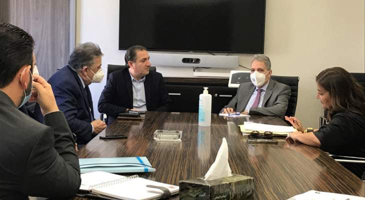 وزني التقى وزير الاتصالات وبحث معه في موضوع شركتي الخليوي تاتش والفا