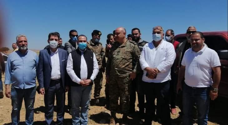 مرتضى أشرف على عمليات رش مبيدات مكافحة الجراد: لتضافر الجهود الرسمية لرفع الخطر