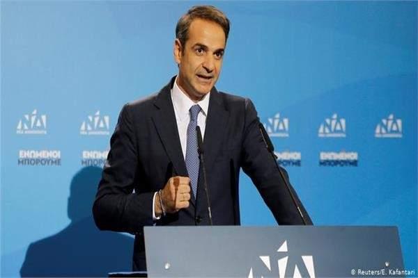 تعهد رئيس وزراء اليونان الجديد بخفض الضرائب خلال أول اجتماع حكومي