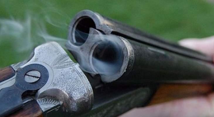 النشرة: مواطن قتل عمه وزوجة عمه بسلاح صيد في حي العسيرة في بعلبك