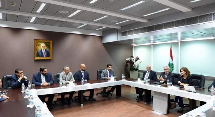 بستاني في توقيع مذكرة تعاون مع الجامعة اللبنانية الاميركية: نريد استخدام خبرات الاساتذة والطلاب لدفع خطة الكهرباء