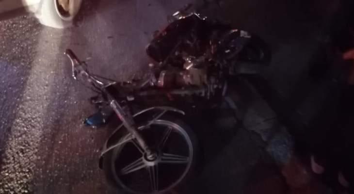 النشرة: جريح نتيجة حادث سير بين دراجة نارية وسيارة في مجل عنجر