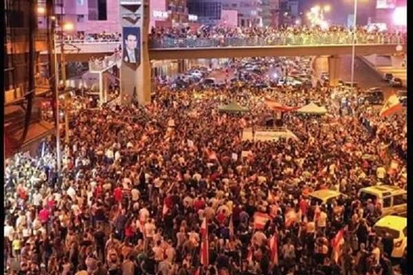 المتظاهرون في جل الديب يحتفلون باستقالة وزراء القوات