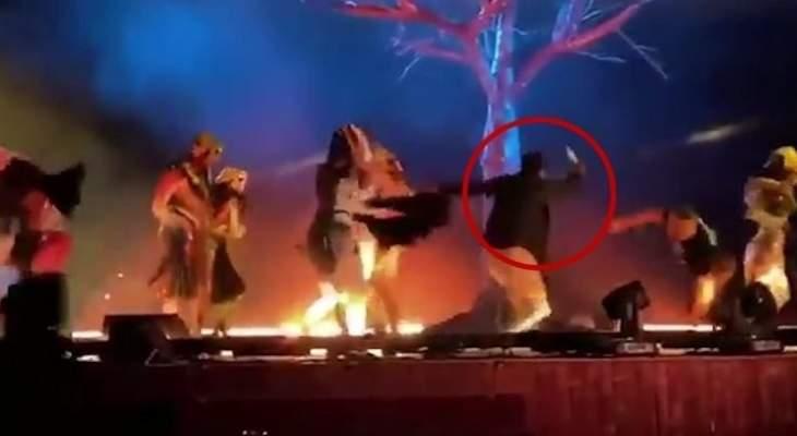 الشرطة السعودية أوقفت يمنيا طعن 3 من أعضاء فرقة مسرحية خلال عرض لها بالرياض