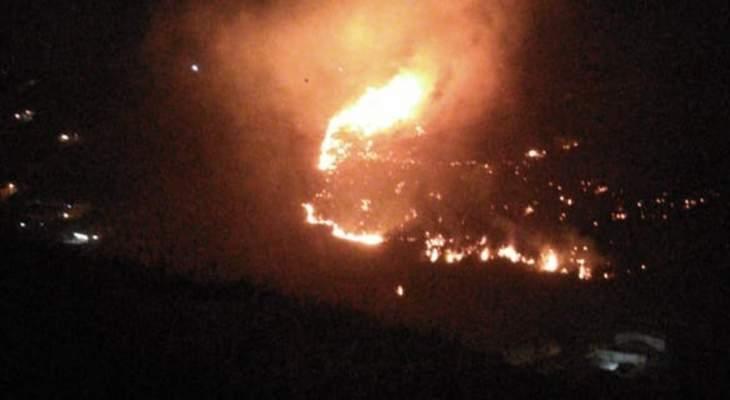 النشرة: حريق كبير بين بلدة برقايل ووادي الجاموس والدفاع المدني يعمل على إخماده