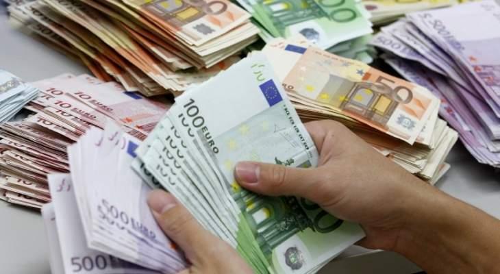 «حزب الله» ينصح رجال الأعمال الشيعة باستعمال «اليورو» بديلاً عن الدولار