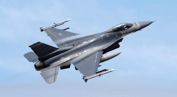 """إغلاق طريق سريع في ريفرسايد بكاليفورنيا نتيجة تحطم مقاتلة """"F-16"""" أميركية"""