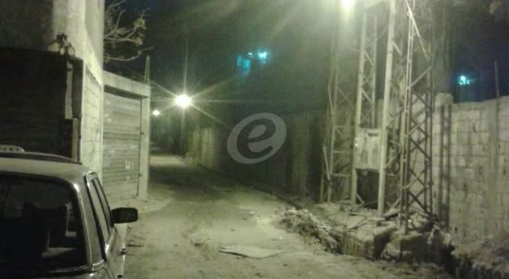النشرة: إستنفار عسكري في منطقة تعمير عين الحلوة بعد مقتل ناشط اسلامي