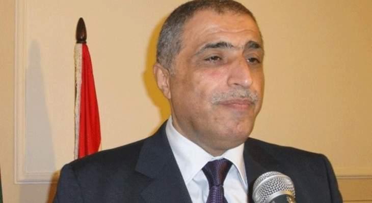 هاشم: لإصدار مراسيم الناجحين بمباراة الخدمة المدنية ولا تتحفونا بالبكاء على دولة القانون