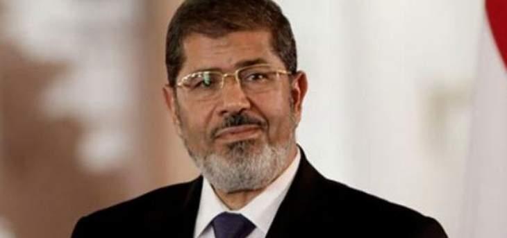 الإندبندنت:الشرطة المصرية فشلت في توفير الإسعافات الأولية لمرسي بعدما فقد وعيه