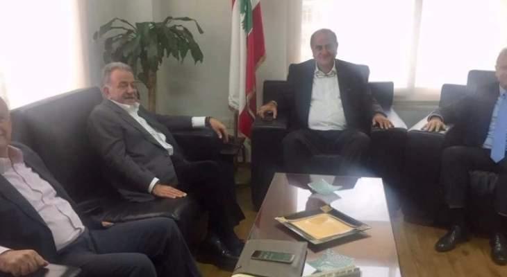 مكاري: نأمل أن ينتج تحرك عون وبري حلولاً لمصلحة لبنان