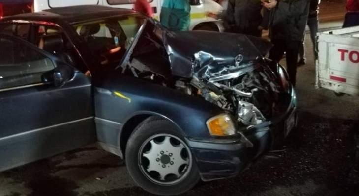 إخماد حريق سيارة بعد تعرضها لحادث سير ومعالجة مصاب في مجدل عنجر