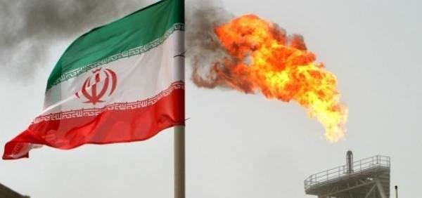 انفجار داخل منصة إيرانية لاستخراج النفط في مياه الخليج