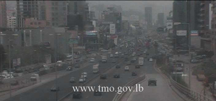 حركة المرور كثيفة من الضبية باتجاه جل الديب وصولاً الى نهر الموت