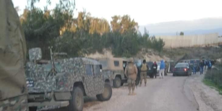 النشرة: الجيش الاسرائيلي يتوقف عن وضع مكعبات اسمنتيه قرب العديسة بعد رفض الجيش اللبناني
