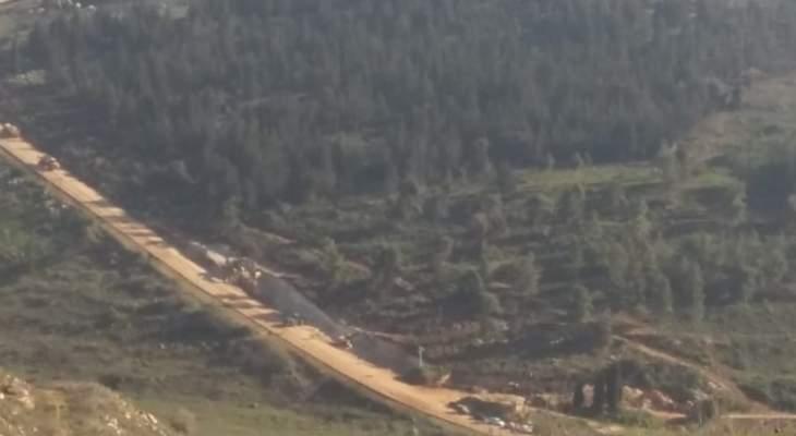 النشرة: الجيش الاسرائيلي واصل عملية حفر الخنادق في وادي هونين