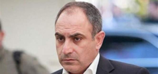 أسود لبري:  جبران باسيل رئيس حزب كبير عليك احترامه