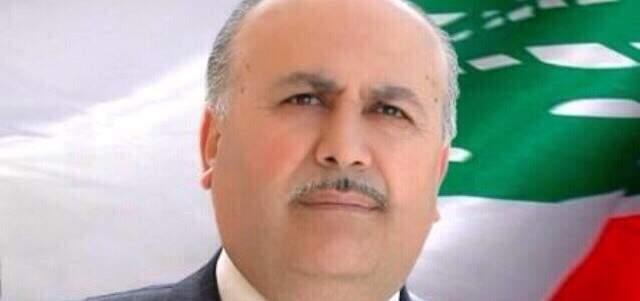 مصطفى حسين يدعو أساتذة الجامعة اللبنانية لفك الإضراب