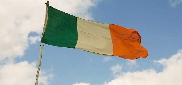 المئات يتظاهرون في أيرلندا للمطالبة بتخفيف القيود على الإجهاض