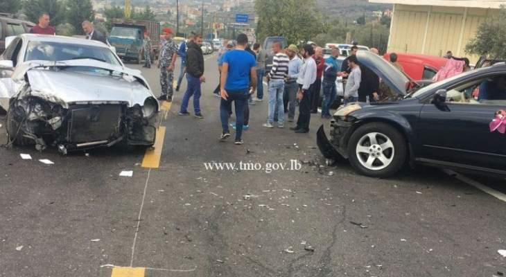 8 جرحى نتيجة تصادم بين مركبتين على طريق عام كفرحبو الضنية