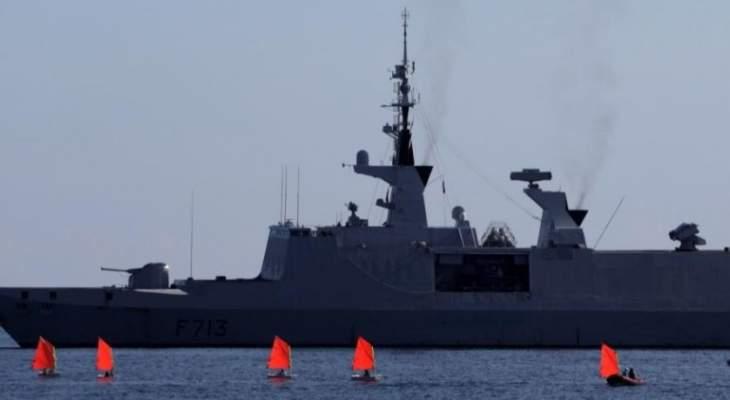 مصادر للجزيرة: بارجة فرنسية أفرغت أسلحة في شرق ليبيا
