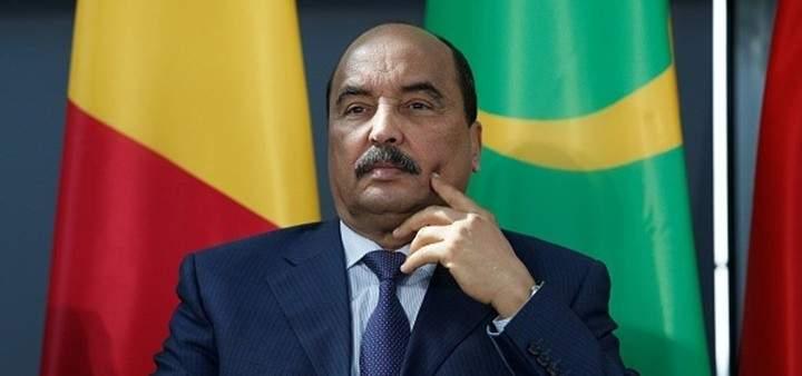 وصول الرئيس الموريتاني الى مطار بيروت والرئيس عون في استقباله