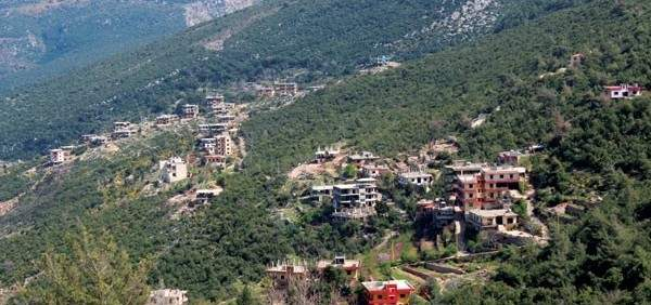 اعتراض دورية لمفتشي شركة كهرباء لبنان خلال توجهها إلى بلدة سير الضنية