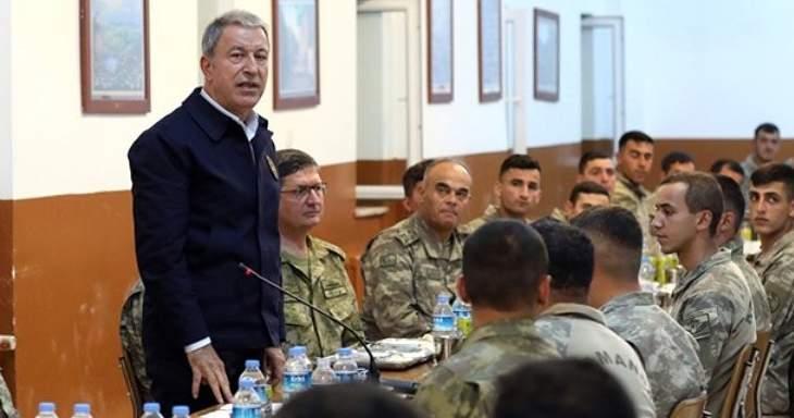 وزير الدفاع التركي يعلن تحييد 64 إرهابيًا في تركيا وشمال العراق