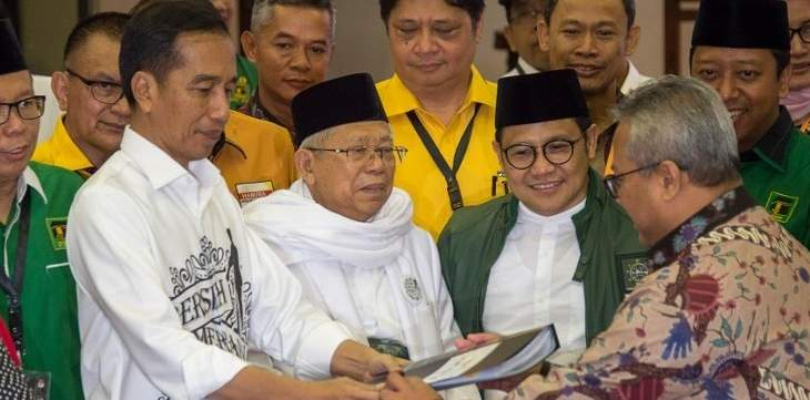 رئيس إندونيسيا اختار رجل دين ليخوض معه انتخابات 2019 على منصب نائب الرئيس