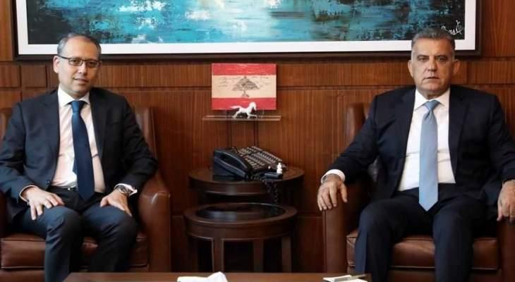 اللواء ابراهيم التقى السفير المصري وعرض معه الأوضاع العامة