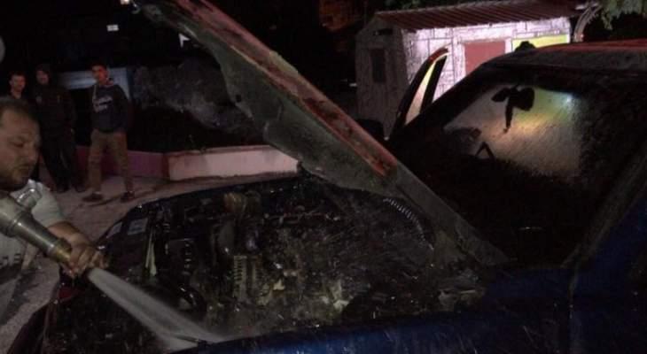 إخماد حريق داخل سيارة رباعية الدفع عند مفترق قصرنبا في بعلبك
