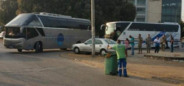 سانا:وصول دفعة من النازحين العائدين من لبنان إلى مركز الدبوسية الحدودي