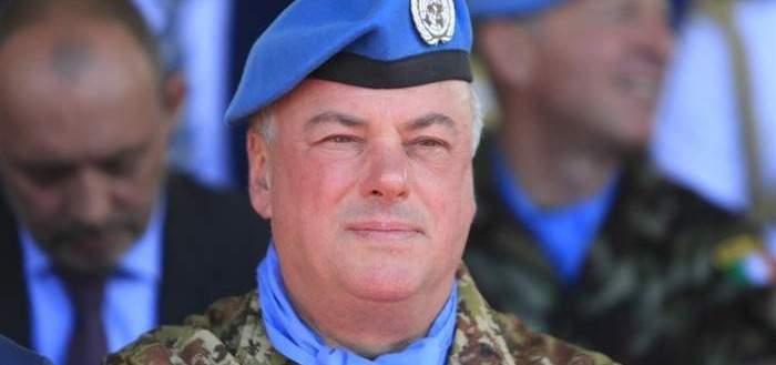 قائد اليونيفيل قدم ميداليات الأمم المتحدة إلى عناصر الكتيبة الاندونيسية