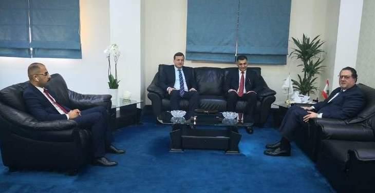 شقير عرض تفعيل العلاقات مع نظيره العراقي والتقى سفيري اسبانيا وتشيكيا