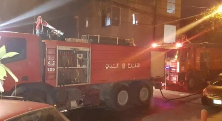 حريق بغرفة كهرباء في الحدت واحتراق 5 خزانات للمازوت وسيارتين