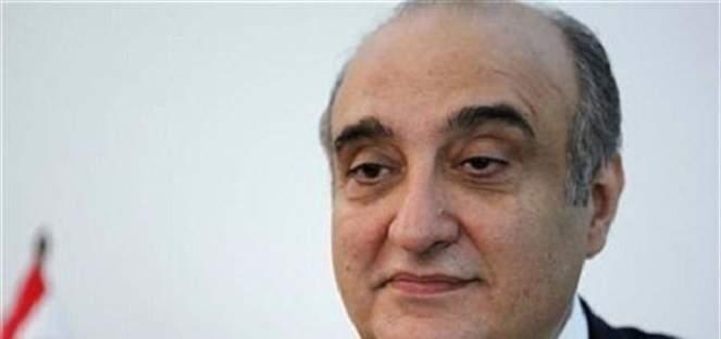 عبود: بعض السياسيين يشترون أصوات الناس بتراخيص السلاح والزجاج الداكن
