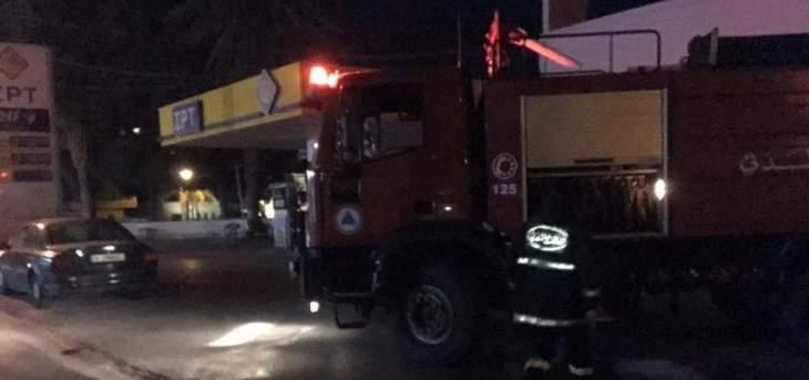 الدفاع المدني: إخماد حريق داخل غرفة للعمال في شكا-البترون
