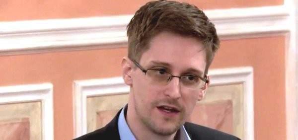 سنودن عن اعتقال أسانج: لحظة سوداء في تاريخ الصحافة