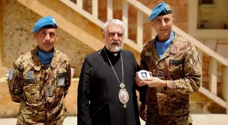 قائد القطاع الغربي لليونيفيل زار مطرانية الروم الملكيين الكاثوليك في صور