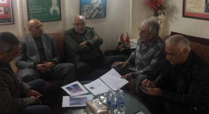 زاهر الخطيب بحث مع وفد من الجبهة الشعبية لتحرير فلسطين آخر التطورات بفلسطين