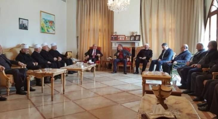 الخليل عرض مع وفد من بلدية ميمس الأوضاع العامة والإنمائية بالمنطقة