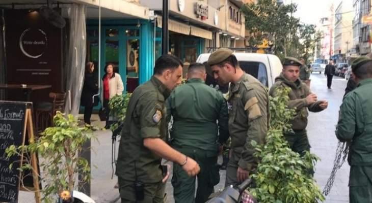 فوج حرس بيروت ازال مخالفات في شارع الحمراء